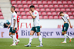 Marco Friedl (SV Werder Bremen), Milos Veljkovic (SV Werder Bremen) und Sebastian Langkamp (SV Werder Bremen), <br /> <br /> Sport: Fussball: 1. Bundesliga:: nphgm001:  Saison 19/20: 33. Spieltag: 1. FSV Mainz 05 vs SV Werder Bremen 20.06.2020<br /> Foto: Neis/Eibner/Pool/via gumzmedia/nordphoto<br /><br />DFB regulations prohibit any use of photographs as image sequences and/or quasi-video.<br />Editorial Use ONLY<br />National and International News Agencies OUT<br />  DFL REGULATIONS PROHIBIT ANY USE OF PHOTOGRAPHS AS IMAGE SEQUENCES AND OR QUASI VIDEO<br /> EDITORIAL USE ONLY<br /> NATIONAL AND INTERNATIONAL NEWS AGENCIES OUT