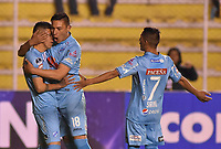 LA PAZ - BOLIVIA, 01-06-2017: Juan Arce (Izq) jugador de Bolívar de Bolivia celebra con Juan Fierro (C) y Gaton Sirino (Der) después de anotar un gol a Deportes Tolima de Colombia durante partido de la primera fase, llave 16 de la Copa Conmebol Sudamericana 2017 jugado en el estadio Hernando Siles de la ciudad de La Paz, Bolivia. / Juan Arce (L) player of  Bolivar de Bolivia celebrates with his teammates Juan Fierro (C) y Gaton Sirino (R) after scoring a goal to Deportes Tolima of Colombia during match for the first phase, Kye 16, of the Conmebol Sudamericana Cup 2017 played at Hernando Siles stadium in La Paz, Bolivia. Photo: VizzorImage / Daniel Miranda / APG Noticias / Cont