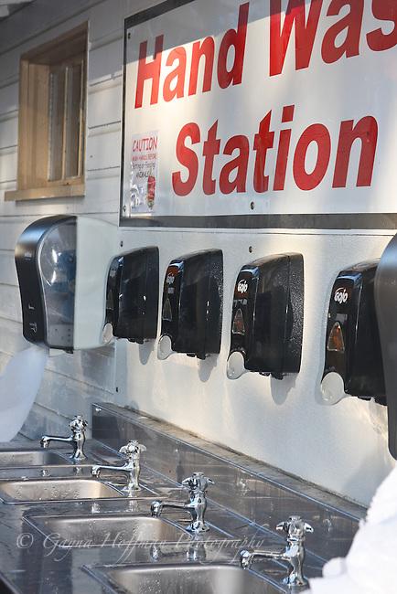 public hand washing station