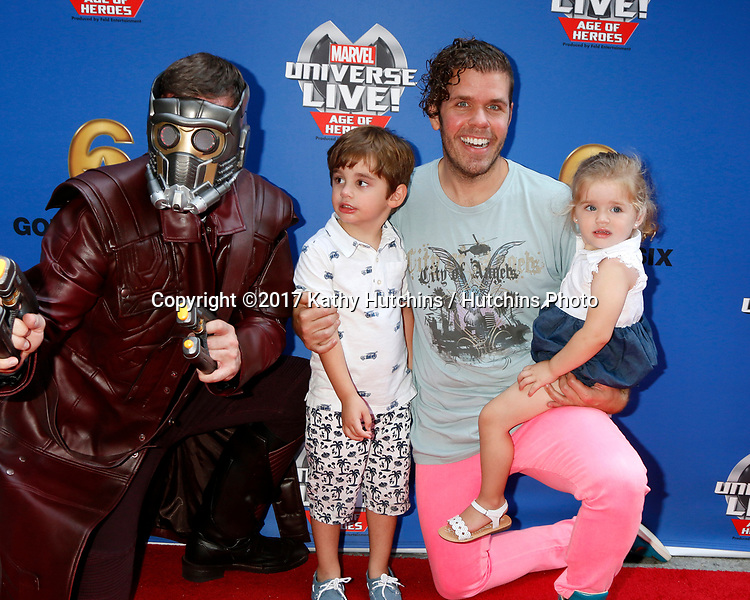 LOS ANGELES - JUL 8:  Star-Lord, Mario Lavandeira, Perez Hilton, Mia Lavandeira at the Marvel Universe Live Red Carpet at the Staples Center on July 8, 2017 in Los Angeles, CA