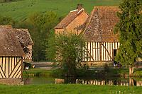 France, Calvados (14), Pays d' Auge, Heurtevent , ferme normande  // France, Calvados, Pays d' Auge, Heurtevent,  Normandy farmhouse
