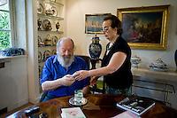 Roma, 25 Settembre, 2014. Bud Spencer nella sua casa di Roma con la moglie