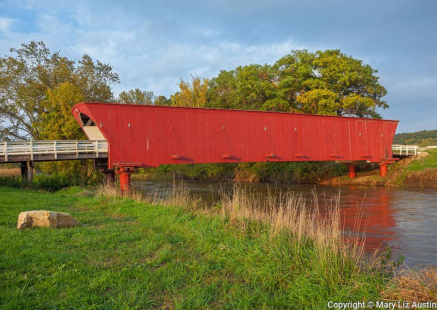 Madison County, IA: Hogback covered bridge (1884) on North River