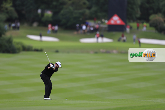 Shane Lowry (IRL) on the 8th during round 3 of the WGC-HSBC Champions, Sheshan International GC, Shanghai, China PR.  29/10/2016<br /> Picture: Golffile | Fran Caffrey<br /> <br /> <br /> All photo usage must carry mandatory copyright credit (&copy; Golffile | Fran Caffrey)