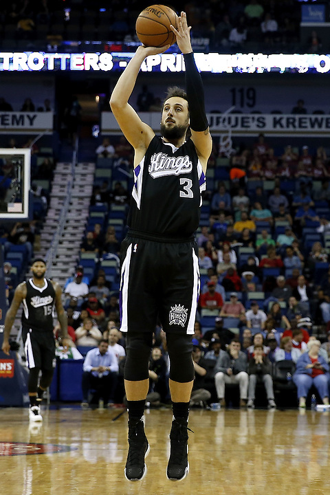NEW ORLEANS, LA - MARCH 07: Marco Belinelli #3 of the Sacramento Kings shoots the ball during a game at Smoothie King Center on March 7, 2016 in New Orleans, Louisiana. NOTE TO USER: User expressly acknowledges and agrees that, by downloading and or using this photograph, User is consenting to the terms and conditions of the Getty Images License Agreement.  (Photo by Jonathan Bachman/Getty Images)