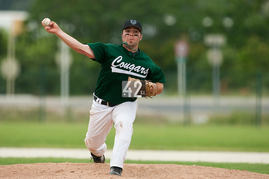 22 May 2009: Chris Paterson of Montigny pitches against La Guerche during the 2009 challenge de France, a tournament with the best French baseball teams - all eight elite league clubs - to determine a spot in the European Cup next year, at Montpellier, France.