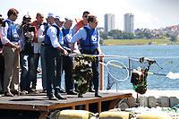 SAO PAULO, SP - 22.03.2017 - dia-agua - O Governador de Sao Paulo, Geraldo Alckmin acompanhado do prefeito de Sao Paulo Joao Doria,   participam da comemora&ccedil;&atilde;o do dia Mundial da &iexcl;gua na manha desta quarta-feira (22) na Represa do Guarapiranga, zona sul da Capital. O evento de preserva&ccedil;&atilde;o dos mananciais batizado de Nossa Guarapiranga teve a presen&Aacute;a de outras autoridades municipais e estaduais. <br /> <br /> (Foto: Fabricio Bomjardim / Brazil Photo Press)