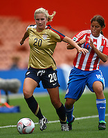 Olivia Klei (USA) gets infront of Ana Fleitas (PAR).FIFA U17 Women's World Cup, Paraguay v USA, Waikato Stadium, Hamilton, New Zealand, Sunday 2 November 2008. Photo: Renee McKay/PHOTOSPORT