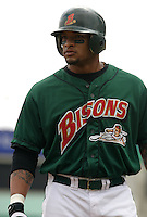 May 22, 2005:  Darnell McDonald of the Buffalo Bisons during a game at Dunn Tire Park in Buffalo, NY.  Buffalo is the International League Triple-A affiliate of the Cleveland Indians.  Photo by:  Mike Janes/Four Seam Images