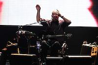 RIO DE JANEIRO; RJ; 26.10.2013 - Os Paralamas do Sucesso se apresentam na noite deste sábado no Citibank Hall, zona oeste da cidade, tocando os maiores sucessos da carreira da banda ao longo dos seus 30 anos. FOTO: NÉSTOR J. BEREMBLUM - BRAZIL PHOTO PRESS