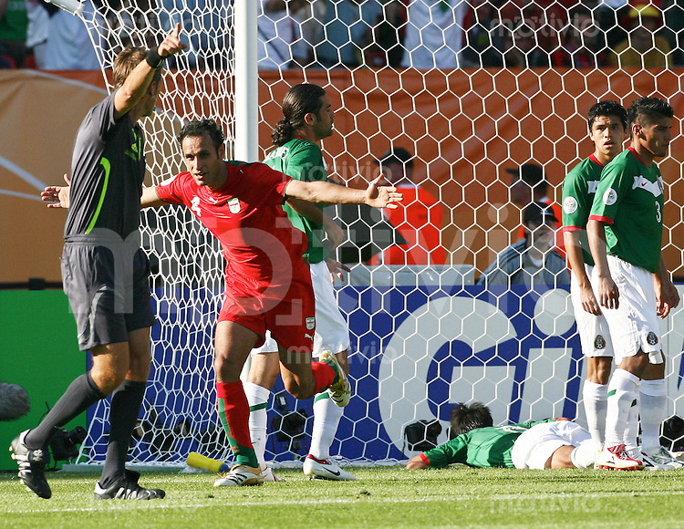 FussballInternational WM 2006 Vorrunde Mexiko-Iran Jubel Nach dem 1:1, Yahya Golmohammadi