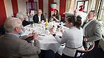 TILBURG - Ronde tafelgesprek,  voorzitters/baanmanagers met het thema: horeca in huis of uitbesteden? Voor NGF Golfmarkt. COPYRIGHT KOEN SUYK