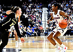 November 17, 2018: UCONN ladies defeat Vanderbilt, 80-42 at the Mohegan Sun in Uncasville, Ct. Dan Heary/Eclipse Sportswire/CSM