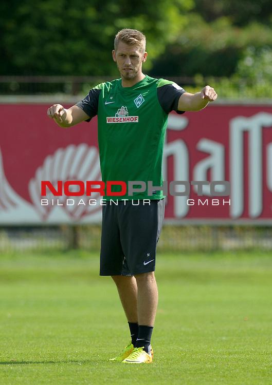 09.08.2013, Trainingsgelaende, Bremen, GER, 1.FBL, Training Werder Bremen, im Bild Aaron Hunt (Bremen #14)<br /> <br /> Foto &copy; nph / Frisch
