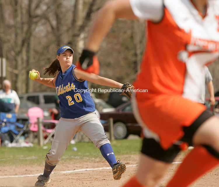 WATERTOWN, CT 4/23/07- 042307BZ11- Seymour's Alyssa Downs (20) throws to first against Watertown.<br /> Jamison C. Bazinet Republican-American