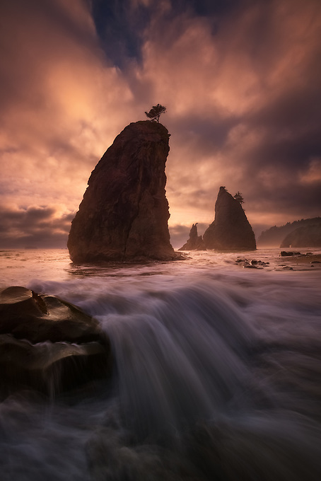 Unique conditions and a few moments of beautiful light on the Olympic coast, Washington.