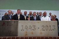 Berlin, Bundespräsident Joachim Gauck (m.) beim Grundsteinlegung für das Humboldtforum am Mittwoch (11.06.13) am Schlossplatz in Berlin. Foto: Maja Hitij/CommonLens