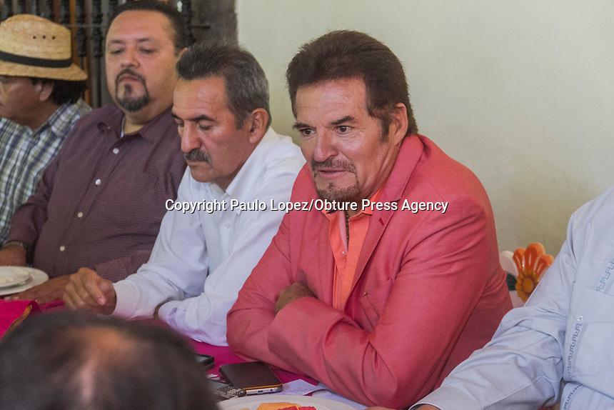 San Juan del Río.,Qro. 25 de agosto del 2017.- SJR Frente Amplio Morena son un grupo nuevo de políticos que buscan lo mejor para el municipio de San Juan del Río el cual va a luchar por estar en los comicios del 2018.