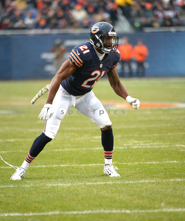 Chicago Bears Ryan Mundy (21) during a game against the Minnesota Vikings on November 16, 2014 at Soldier Field in Chicago, IL. The Bears beat the Vikings 21-13.
