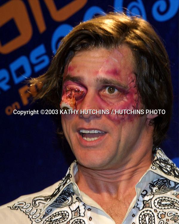 ©2003 KATHY HUTCHINS / HUTCHINS PHOTO.TEEN CHOICE AWARDS 2003.UNIVERSAL AMPITHEATRE.UNIVERSAL, CA  .AUGUST 2, 2003..JIM CARREY.