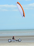 Powerkiting on Bettystown beach. Photo:Colin Bell/pressphotos.ie