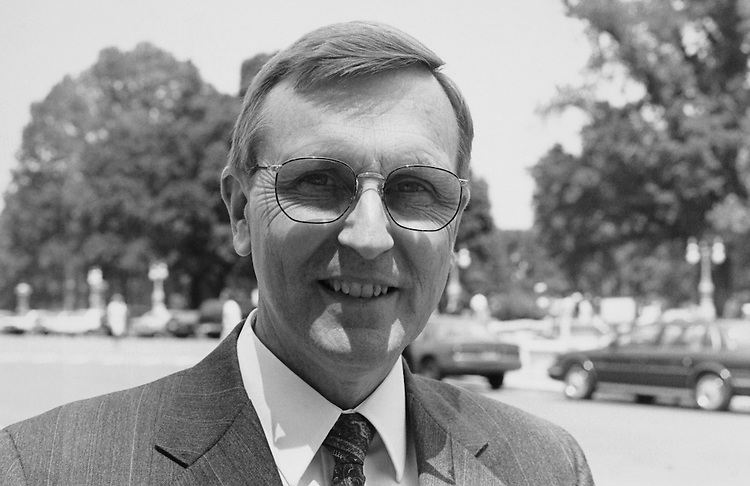 Rep. William P. Baker, R-Calif. June 7, 1993. (Photo by Chris Martin/CQ Roll Call)