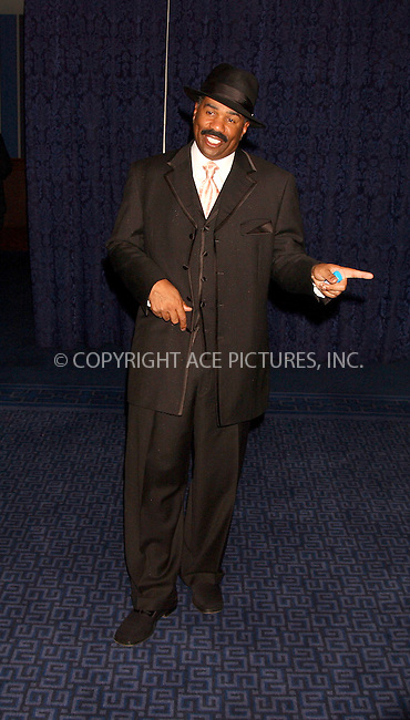 WWW.ACEPIXS.COM . . . . . ....NEW YORK, APRIL 6, 2006....Steve Harvey at the 8th Annual Keepers of the Dream Awards.......Please byline: KRISTIN CALLAHAN - ACEPIXS.COM.. . . . . . ..Ace Pictures, Inc:  ..(212) 243-8787 or (646) 679 0430..e-mail: info@acepixs.com..web: http://www.acepixs.com