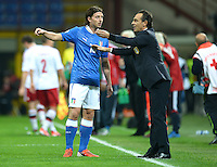 Fussball International  WM Qualifikation 2014   Italien - Daenemark                16.10.2012 Riccardo Montolivo und Trainer Cesare Prandelli (v. li., Italien)