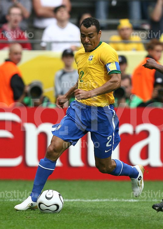 Fussball WM 2006  Achtelfinale  Brasilien - Ghana Cafu (BRA)