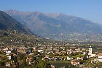 Italien, Suedtirol, Marktgemeinde Lana, Weinbauregion im Meraner Becken gelegen zwischen Meran und Bozen   Italy, South Tyrol, Alto Adige, community Lana, wine-growing region between Merano and Bolzano