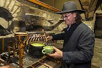 France, Haute-Savoie (74),Massif des Aravis, Manigod: Restaurant:  La Maison des Bois de Marc Veyrat au col de la Croix Fry  - soupe de pois cassés raviolis de lard fumé aux arômes de beaufortin recette de Marc Veyrat // France, Haute Savoie, Massif des Aravis, Manigod: Marc Veyrat, Restaurant: La Maison des Bois, Col de la Croix Fry, reciepe by Marc Veyrat - split pea soup with smoked bacon dumplings [Non destiné à un usage publicitaire - Not intended for an advertising use]