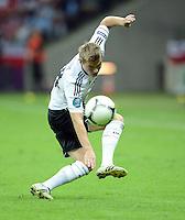 FUSSBALL  EUROPAMEISTERSCHAFT 2012   HALBFINALE Deutschland - Italien              28.06.2012 Toni Kroos (Deutschland) Einzelaktion am Ball