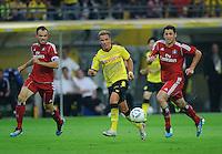 Fussball Bundesliga Saison 2011/2012 1. Spieltag Borussia Dortmund - Hamburger SV V.l.: Heiko WESTERMANN (HSV), Mario GOETZE (BVB), Gojko KACAR (HSV).