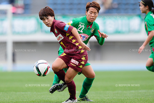 (L to R) <br /> Ikadai Risa (Jef Ladies), <br /> Azusa Iwashimizu (Beleza), <br /> OCTOBER 31, 2015 - Football / Soccer : <br /> Plenus Nadeshiko League 2015 <br /> between NTV Beleza 2-0 Jef Chiba Ladies <br /> at Komazawa Olympic Park Stadium, Tokyo, Japan. <br /> (Photo by AFLO SPORT)