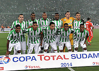 MEDELLIN- COLOMBIA – 03-12-2014: Los Jugadores de Atletico Nacional de Colombia posan para una foto durante partido de ida de la final de la Copa Total Suramericana entre Atletico Nacional de Colombia y River Plate de Argentina en el estadio Atanasio Girardot de la ciudad de Medellin. / The players of Atletico Nacional of Colombia, pose for a photo during a match for the first leg of the final between Atletico Nacional of Colombia and River Plate of Argentina of the Copa Total Suramericana in the Atanasio Girardot stadium, in Medellin city. Photo: VizzorImage / Luis Ramirez/ Staff.