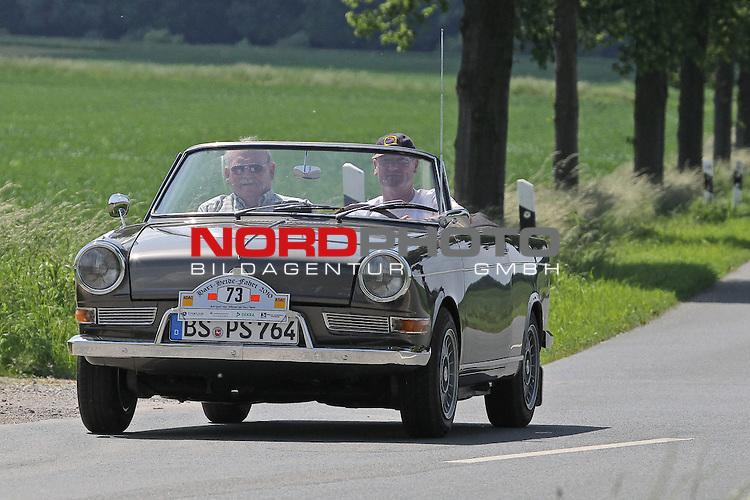 Aus Harz- Heide -Fahrt fuer Odtimer am 06. 06 .2010 -hier bei Hildesheim. Im Foto: BMW 700 Bj. 1961 <br /> <br /> <br /> Foto: &copy; nph / Rust<br />  *** Local Caption *** Fotos sind ohne vorherigen schriftliche Zustimmung ausschliesslich f&uuml;r redaktionelle Publikationszwecke zu verwenden.<br /> <br /> Auf Anfrage in hoeherer Qualitaet/Aufloesung