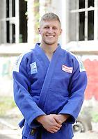 Eine Pressekonferenz der besonderen Art boten die Judokas vom Judoclub Leipzig JCL - in einer alten Fabrikhalle an der Zschocherschen / Markranstädter Straße trainierten sie sehr spartanisch mit Gewichten im Zirkeltraining und kämpften auf der Tatami im morbiden Ambiente - im Bild: Porträt . Foto: aif / Norman Rembarz<br /> <br /> Jegliche kommerzielle wie redaktionelle Nutzung ist honorar- und mehrwertsteuerpflichtig! Persönlichkeitsrechte sind zu wahren. Es wird keine Haftung übernommen bei Verletzung von Rechten Dritter. Autoren-Nennung gem. §13 UrhGes. wird verlangt. Weitergabe an Dritte nur nach  vorheriger Absprache. Online-Nutzung ist separat kostenpflichtig.
