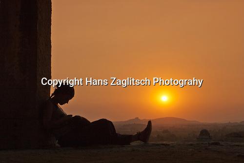Sonnenuntergang vom Hermakuta Hill, Hampi, Karnataka, Indien