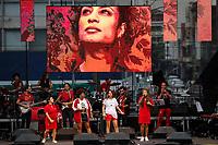 SÃO PAULO, SP 02.06.2019: FESTIVAL LULA LIVRE-SP - No palco Slam das Minas. Artistas e militantes se uniram no Festival Lula Livre, que aconteceu na tarde deste domingo (02) na Praça da República, zona central da capital paulista, em protesto contra a prisão do ex-presidente Lula. (Foto: Ale Frata/Codigo19)