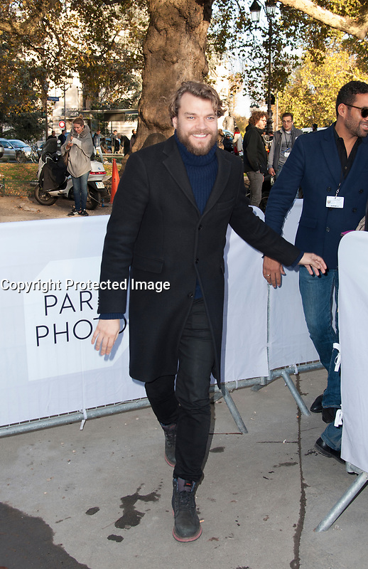 November 10 2017, Paris, France - The Actor Pilou Asbaek Guest of Paris Photo 2017, at Grand Palais on Avenue du Général Eisenhower in Paris. # LES PEOPLE AU SALON PARIS PHOTO 2017 AU GRAND PALAIS