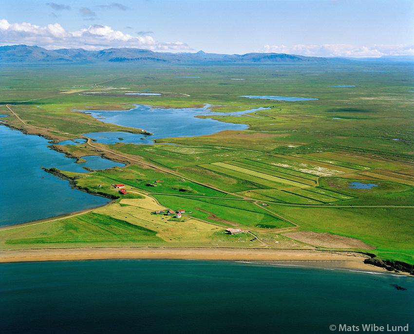 Akrar séð til norðausturs, Borgarbyggð áður Hraunhreppur  /   Akrar viewing northeast, Borgarbyggd former Hraunhreppur.