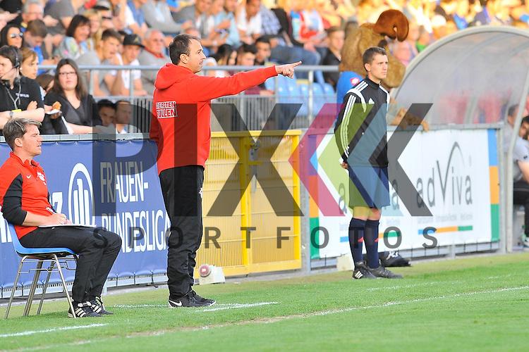 Leipzigs Trainer Frank Leicht im Spiel der  A-Junioren TSG 1899 Hoffenheim - RB Leipzig 18.05.2015.<br /> <br /> Foto &copy; P-I-X.org *** Foto ist honorarpflichtig! *** Auf Anfrage in hoeherer Qualitaet/Aufloesung. Belegexemplar erbeten. Veroeffentlichung ausschliesslich fuer journalistisch-publizistische Zwecke. For editorial use only.