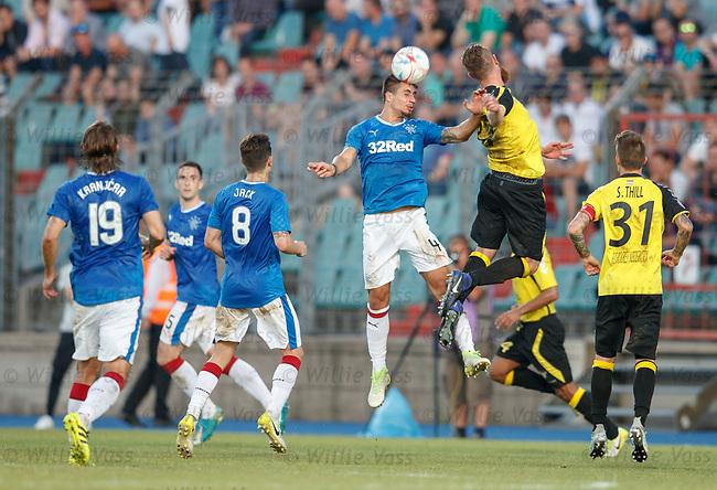 Fabio Cardoso wins the ball