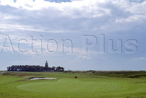 View of the 10th green at the Falsterbo Golf Club, Fyvagen, Sweden. Photo: Brian Morgan/actionplus.. .course courses general view views scene scenery spectacular clubs landscape venue .Swedish .tenth 069.