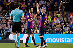 Andres Iniesta of FC Barcelona (R) claps for Barcelona Fans before leaving the field during the La Liga match between Barcelona and Real Sociedad at Camp Nou on May 20, 2018 in Barcelona, Spain. Photo by Vicens Gimenez / Power Sport Images