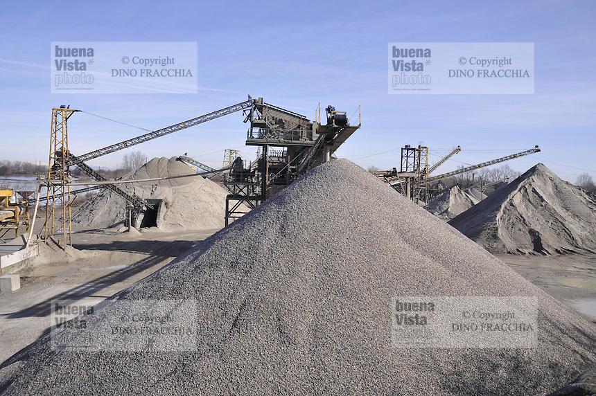 - Po river, gravel quarry<br /> <br /> - fiume Po, cava di ghiaia