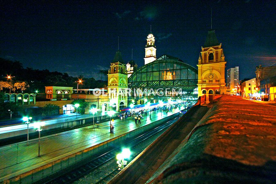 Noite na cidade. Estação da Luz. São Paulo. 2008. Foto de Flávio Bacellar.