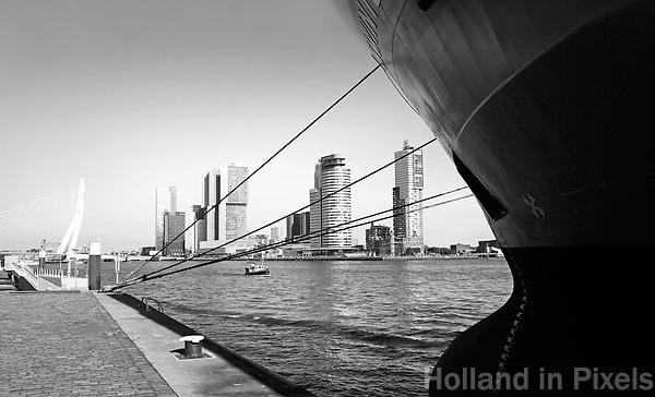 Nederland Rotterdam - 2017. De Maas. Uitzicht op de Wilhelminapier.  Foto Berlinda van Dam / Hollandse Hoogte