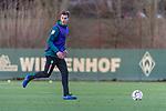 04.12.2018, Trainingsgelaende am Weserstadion, Bremen, GER, 1.FBL, Training SV Werder Bremen<br /> <br /> im Bild <br /> Sebastian Langkamp (Werder Bremen #15), <br /> <br /> Foto © nordphoto / Ewert
