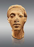 Statue Portrait head of Nefertiti. / Portratkopfe des Konigspaares Nofretete. / Egypt 18. Dynasty  (1340 BC) Berlin Neues Museum Cat No: AM 21348.